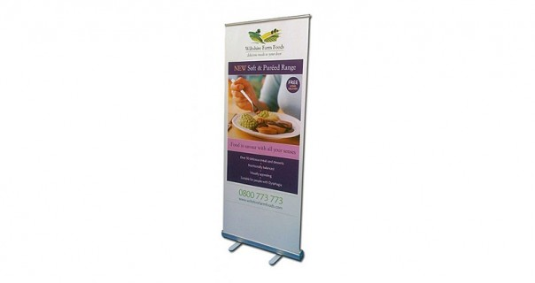 Cosmo Pull Up Banner Stand