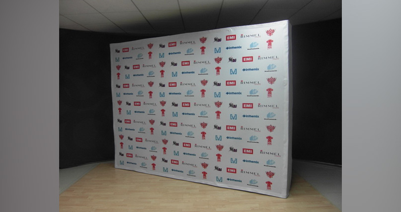 express fabric 4x3 media wall